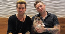 Grumpy Cat serenaded by Ryan Cabrera and Blake Lewis