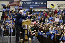 Sanders's Wall Street Attacks Strike Home in New Hampshire Town