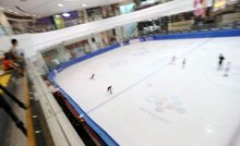 In tropical Singapore, short track slides into focus