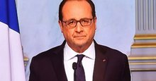 Paris terror attacks: Chilling moment France President Francois Hollande is told about suicide blasts and shootings