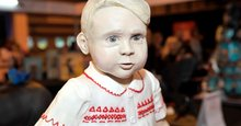 Life-size Prince George sponge cake steals show in amateur bake-off competition