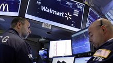 Wal-Mart heirs see $15 billion vanish in a day on share plunge