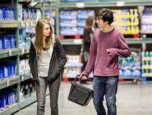 Movie review: 'Paper Towns' gets lost on a trail of clues