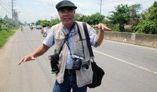 'Napalm girl' photographer returns _ with iPhone, Instagram