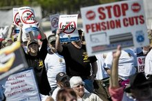 Pension cuts loom for thousands of retired truckers, 15,000 in Minnesota