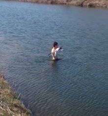 Watch this college golfer brave frigid waters to play his next shot (all for naught)