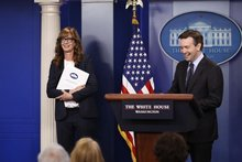 'West Wing' actress gives White House press briefing