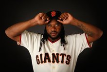 Giants' Johnny Cueto and the artistry of his many windups