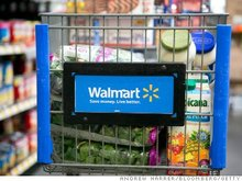 Walmart Brings Back Store Greeters to Improve Service, Fight Theft