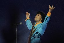 Authorities Probe Drugs Found on Prince at Time of Death