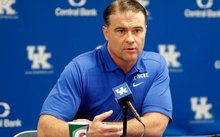 Kentucky's AD confident that Mitchell will get program back on track