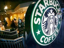 """Starbucks Lawsuit Centers On Ice In Cold Drinks """" CBS Chicago"""