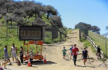 Construction is halted on disputed Runyon Canyon basketball court