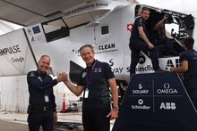 Solar plane pauses in Bay Area as it soars above past records