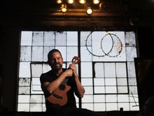Low-pressure sessions welcome, encourage ukulele-playing beginners in Franklinton