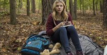 Chloë Moretz takes care of business in exclusive '5th Wave' deleted scene