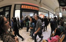 Aeropostale to file for bankruptcy, close 100 stores