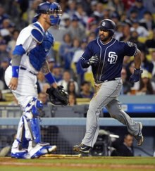 Final: Matt Kemp's three-run homer sends Dodgers to fifth consecutive defeat, 5-1