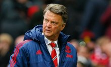 Manchester United signs of life may come too late for Louis van Gaal