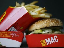 Despite a 267% rally in the past decade, McDonald's still gets little respect from Wall Street analysts