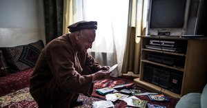 Writer Retreats to a Kabul That Lives Only in His Memories and Books