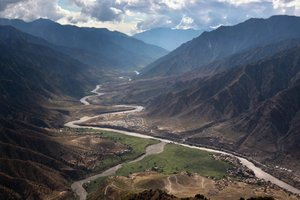What Iran and Pakistan Want from the Afghans: Water