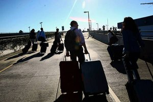 Passenger chaos after LAX shootings brings official scrutiny