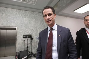Weiner Is In, But Quinn Still Leads NYC Mayor Race