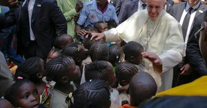 In Africa, Pope Francis Makes His First Visit to a War Zone