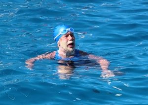 Florida | 64-year-old Diana Nyad completes historic 110-mile swim from Cuba to Florida