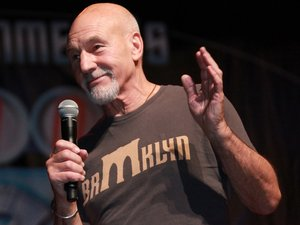 Strange & Funny | Funny video shows lovable Patrick Stewart giving a mini-acting class in comedy