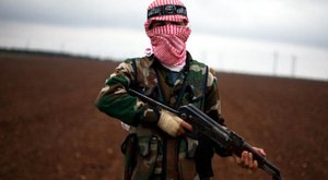Syria | Anti-government rebels behead fellow Islamist fighter and beg forgiveness