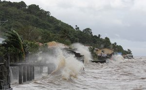 Tacloban   Super-typhoon batters central Philippines, with 1,200 dead as it heads toward Vietnam