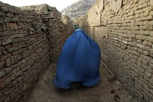 Afghan Women's Powerful Poetry - Even Amidst War | Dowser
